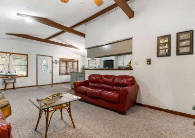 757_Red-Bend_Living-Room03