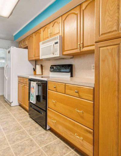 Reel-Axation_Galley-Kitchen02