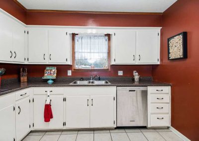 3449 Glen Haven Kitchen