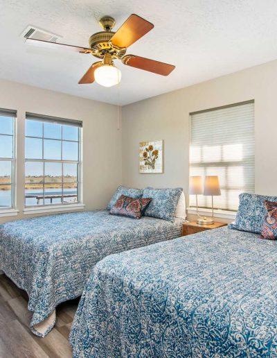 Flat Fish Lodge Bedroom 3 w Double Queens
