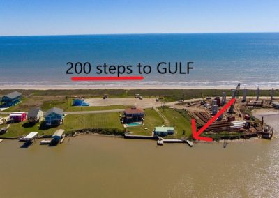 The Surfhouse - sargent tx beach house - 200 steps to gulf