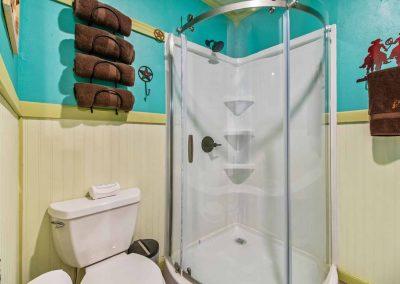 1400 Bayou Drive - 5 piece bath