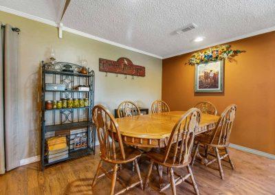 1400 Bayou Drive - Dining room