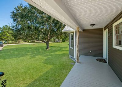 1400 Bayou Drive - Front porch 1