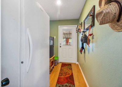 1400 Bayou Drive - Mud room