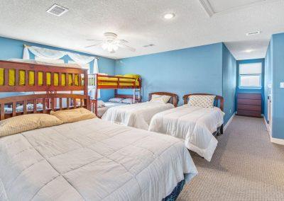 Los Ninos Casa De Playa - Large Bunkroom