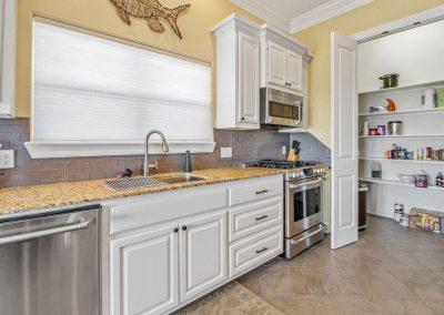Los Ninos Casa De Playa - Modern Kitchen