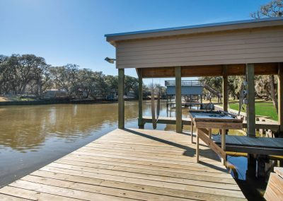 128 PR 652 - Dock w cleaning station