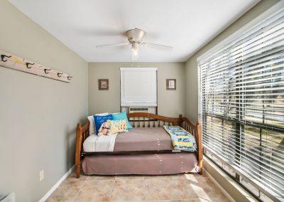 128 PR 652 - Guest bed 1