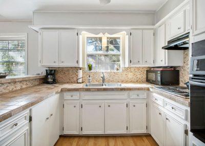 128 PR 652 - Kitchen 1