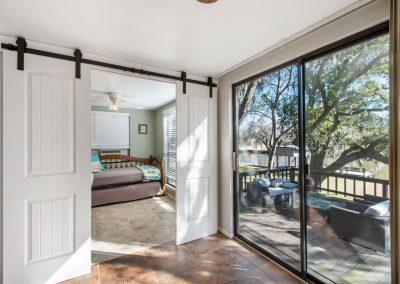 128 PR 652 - barn doors to guest bed