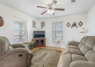 East Bay Breeze - Comfortable Living Room