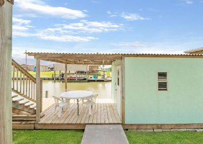 East Bay Breeze - Dock house w covered patio