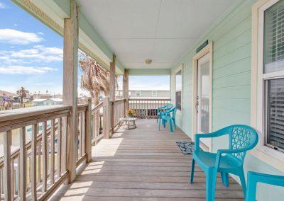 East Bay Breeze - Large Balcony