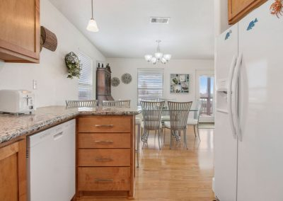 East Bay Breeze - Open Kitchen view