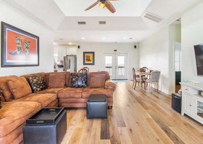 Mermaid Sunrise - Confortable Living Area