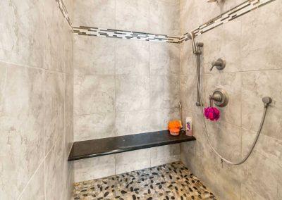 Mermaid Sunrise - Gorgeous shower w seat