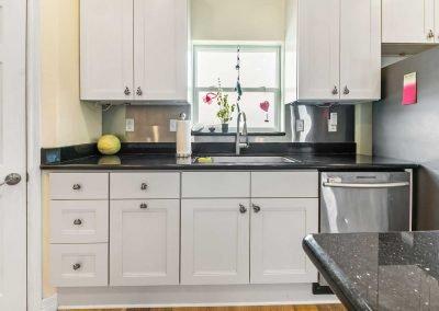 Mermaid Sunrise - Kitchen w Dishwasher