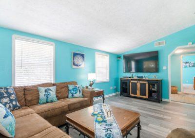 Christal's Castaway - Comfortable Living Room