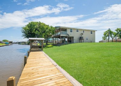Christal's Castaway - Large Yard w Water Access