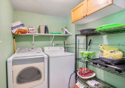 Grandpa's Place on Caney - Laundry Room