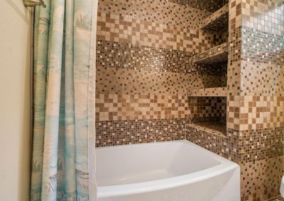 Grandpa's Place on Caney - Mosaic Tile Tub