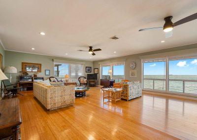 100 Bayshore Drive - Main Living Area