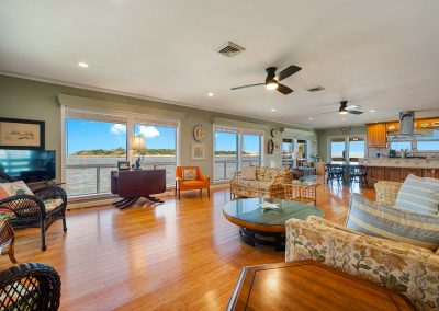100 Bayshore Drive - Open Concept Great Room
