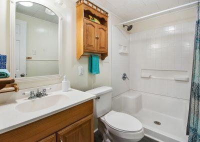Caney Creek Inlet - Full Bathroom