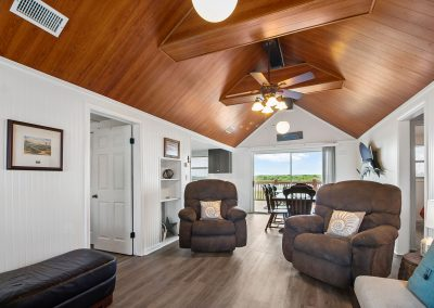 Caney Creek Inlet - Vaulted ceilings