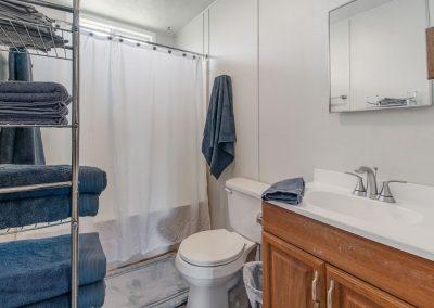 House of Views - Full Bath