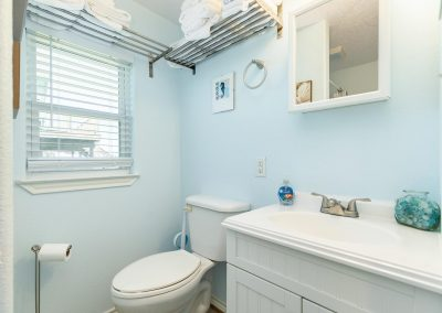Little Peach House - Bathroom