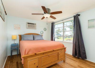 Flippin' Flounder - Bedroom 1