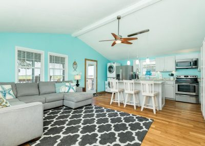 Flippin' Flounder - Open Concept Living Kitchen